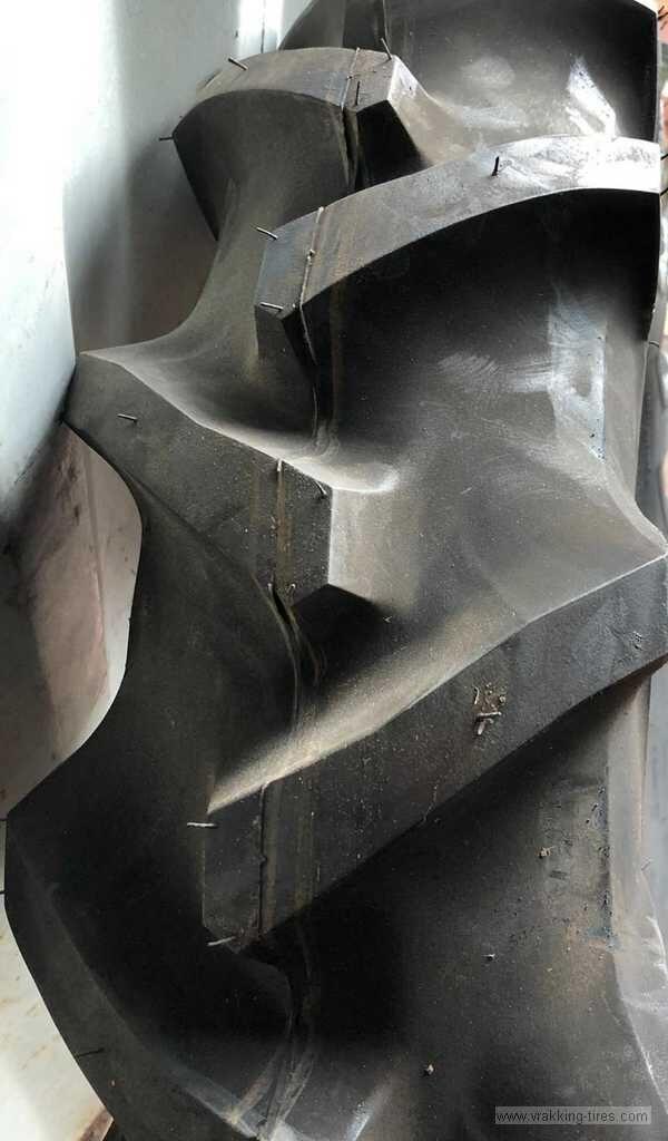 新拖拉机轮胎 Bridgestone 9.5-22 Farm service