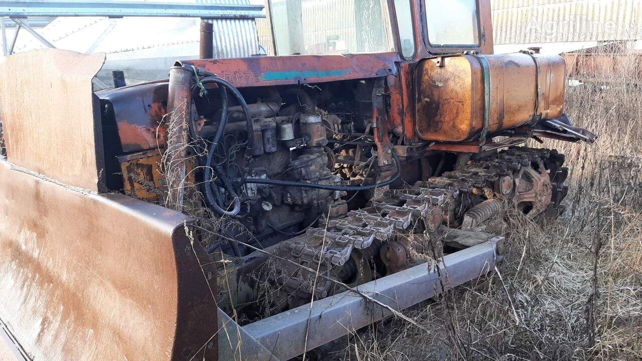履带式拖拉机 DT 75