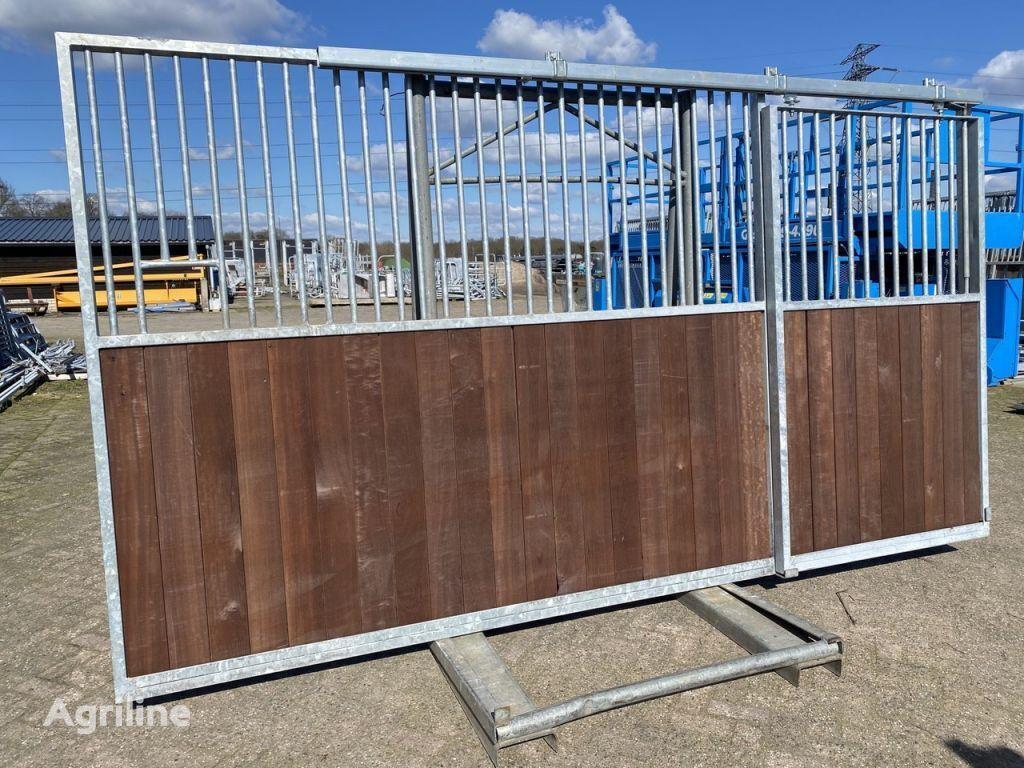 养马设备 Diversen Paardenboxen 4 meter