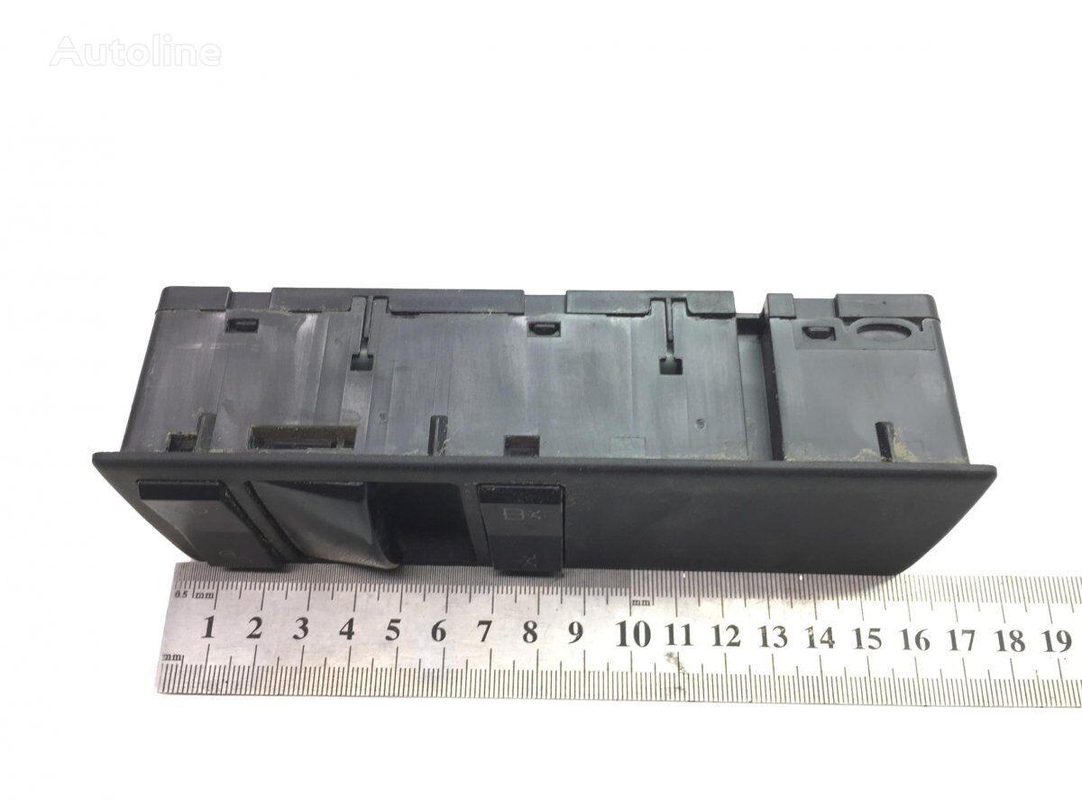 牵引车 MERCEDES-BENZ Actros MP4 (2011-) 的 仪表板 MERCEDES-BENZ Actros MP4 2545 (01.13-)