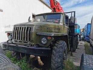 木材运输车 URAL HYAB