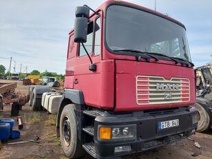 底盘卡车 MAN 26414 6x2