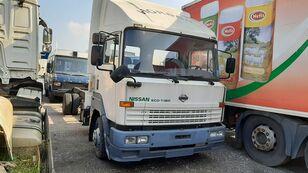 底盘卡车 NISSAN ECO T-160 / 6 x Cylinders Full Spring
