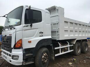 自卸车 HINO 700