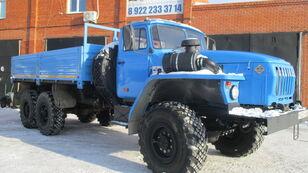 新平板卡车 URAL 4320