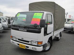 带防水布卡车 NISSAN Atlas